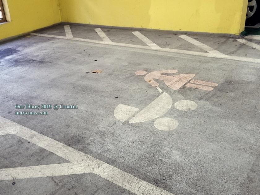 Garaga - Tuškanac, parking for baby stroller