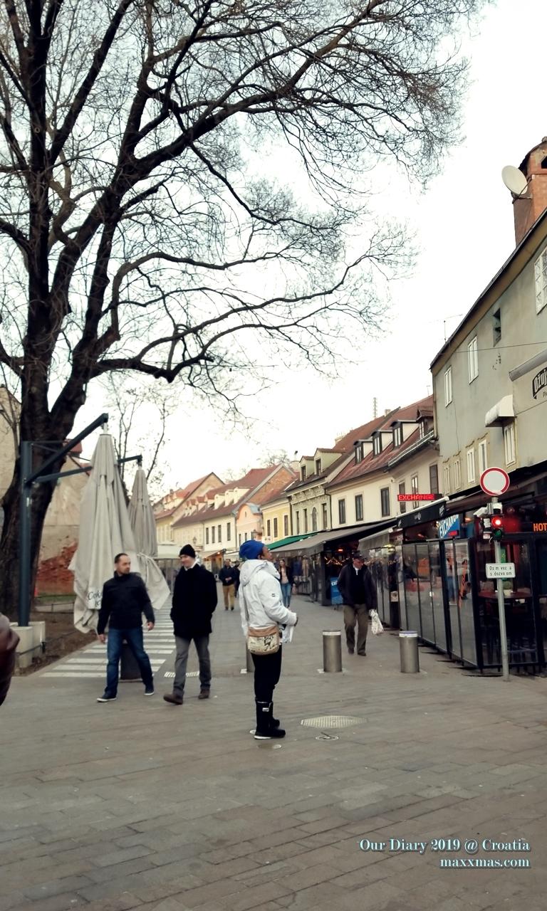 爸爸在Tkalciceva street看甚麼呢?